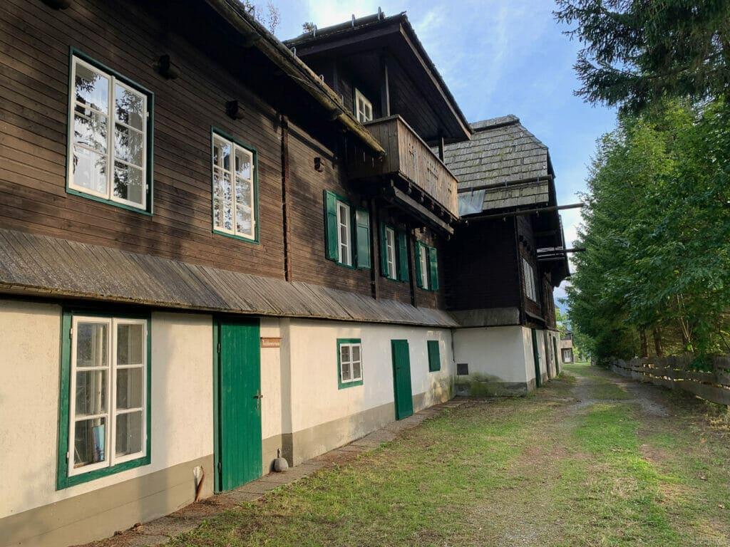landhaus_außen_alplresort_2